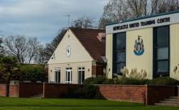 Ngoại hạng Anh lại lao đao, Newcastle có 5 ca Covid-19