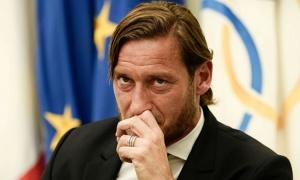 Totti sắp thành siêu 'cò', chọn thần đồng Inter làm khách hàng đầu tiên