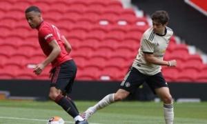 Sanchez vắng mặt, sân tập Man Utd bất ngờ có số 7 mới