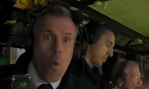 Lallana ghi bàn, Carragher phản ứng không thể tin nổi với Gary Neville