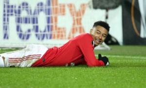 Hòa bạc nhược, fan Man Utd nổi khùng: 'Tống khứ 2 kẻ vô vọng đó'