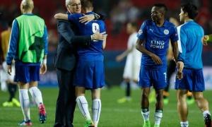 Tiết lộ SỐC: Cầu thủ đâm sau lưng Ranieri?
