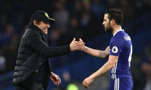 Fabregas tiết lộ cách 'lấy lòng' Conte