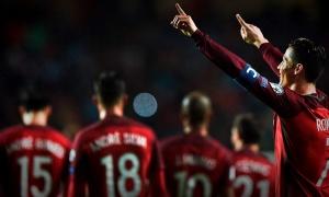 Sút phạt thành bàn, Ronaldo lập cú đúp trong chiến thắng trước Hungary