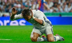 5 điểm nhấn Real 2–3 Barca: Ronaldo cúi đầu trước Messi