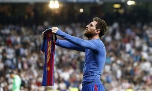 Messi che mờ Ronaldo, Barca giành 3 điểm trong phút cuối cùng