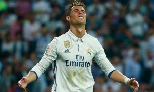 Ronaldo 'hóa điên' khi Messi ghi bàn quyết định