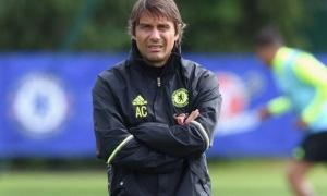 Cuối cùng, Chelsea cũng có tân binh đầu tiên