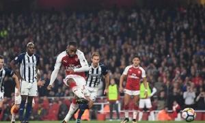 Lacazette đưa Arsenal áp sát top 4