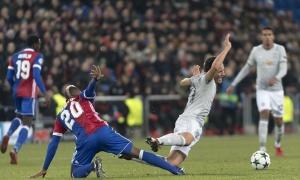 Lép vế trước Basel, Man United ôm hận phút 89