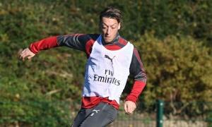 Wenger phủ nhận, nhưng Ozil sắp rời Arsenal