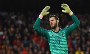 Tây Ban Nha thua sốc, CĐV đòi Enrique tống cổ sao Man Utd