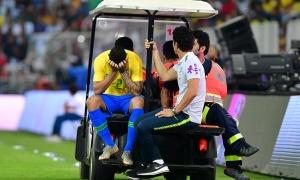 Sao Ngoại hạng Anh khóc nức nở rời sân vì chấn thương