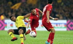'Trọng tài không dám rút thẻ, ưu ái Malaysia'