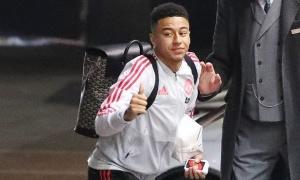 Man Utd lộ đội hình đấu Liverpool: Cái tên trở lại đe doạ Sanchez