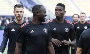 'Ném 2 cầu thủ M.U đó lên taxi, chở đến sân bay và bỏ đi'