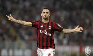 AS Roma kiên trì đeo đuổi cầu thủ chạy cánh của AC Milan