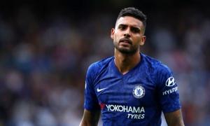 Gia cố hàng phòng ngự, Juventus nhắm sao Chelsea và PSG