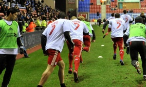 Carragher: 'Xin lỗi. Liverpool đã phạm sai lầm lớn'