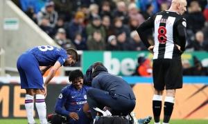 Thua sốc, Chelsea còn nhận thêm hung tin