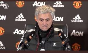 Nhìn Mourinho và Solskjaer đủ thấy Man Utd là công việc kinh khủng nhất
