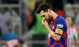'Sự trầm lặng của Messi trước truyền thông là giả tạo'