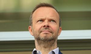 Cú lừa chấn động! Chủ tịch đến Manchester chốt bom tấn bị Man Utd lật kèo quá đắng