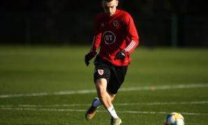 Năm tới, Man Utd hứa hẹn trình làng một ngôi sao, một 'Scholes mới'