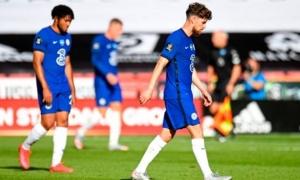 Thảm bại, fan Chelsea điên tiết: 'Bán ngay gã hề đó cho Juve'