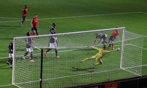 Quả penalty bước ngoặt, Man Utd thắng giòn giã Luton