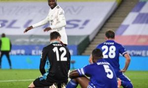 Đột phá dũng mãnh, 'bom tấn' Arsenal khiến Leicester tự hủy