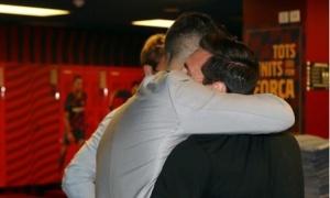 Suarez rời đi trong nước mắt, Messi liền 'chửi thẳng mặt' BLĐ Barca