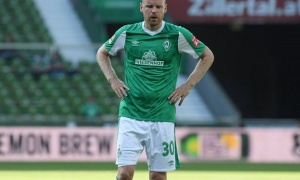 Bán Van de Beek, Ajax mang 'sao xịt' Ngoại hạng Anh về thay thế