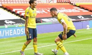 Arsenal thua trận, chuyên gia chỉ ra 2 ngôi sao đá như mơ ngủ