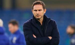'Chelsea nên thay đổi chiến thuật vì Abraham và Giroud không đủ tốt'