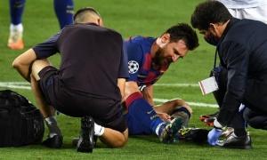 Chân trái Messi sưng vù, nguy cơ vắng mặt trận đại chiến Bayern?