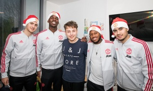 Mourinho ra đi, giờ thì các cầu thủ Man Utd cười tươi rói