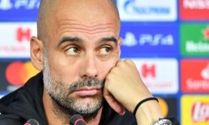 Pep Guardiola sẽ làm gì với 1 trung vệ?