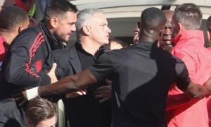 Phản ứng của Mourinho, cảm xúc nguyên thủy nhất của bóng đá