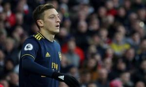 Chọc giận Trung Quốc, Ozil khiến Arsenal nhận sự trừng phạt