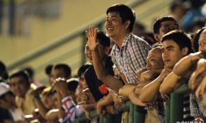 Khán giả Bình Dương 'vượt rào' chúc mừng chiến thắng của HAGL