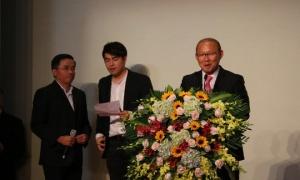 Điểm tin bóng đá Việt Nam sáng 27/6: VFF muốn ký 3 năm với thầy Park; Xuân Trường về nước đá cặp Tuấn Anh