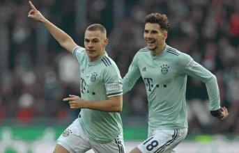 Hủy diệt đối thủ, Bayern Munich vẫn tuyệt vọng bám đuổi Dortmund