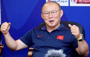 HLV Park Hang-seo gửi lời chúc Tết ấm áp đến NHM Việt Nam