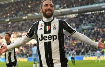 Juventus chờ đợi hơn 1 thập kỉ để Higuain làm được điều này