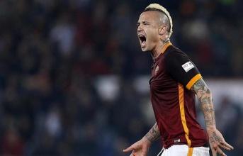 Sau vòng 26 Serie A: Đả bại Inter, Roma bám sát Juve như hình với bóng