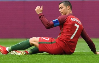 'Ronaldo đang bị tổn thương bởi cáo buộc trốn thuế'