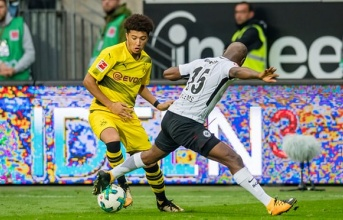 Thần đồng Anh quốc đi vào lịch sử Bundesliga