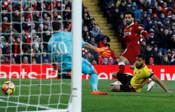 Salah lập poker trong ngày Liverpool không cho Watford chơi bóng