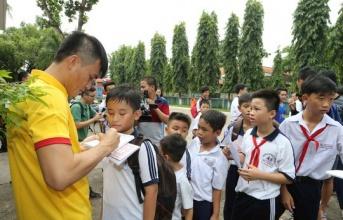 Công Vinh tính 'chơi lớn' với học viện bóng đá cộng đồng